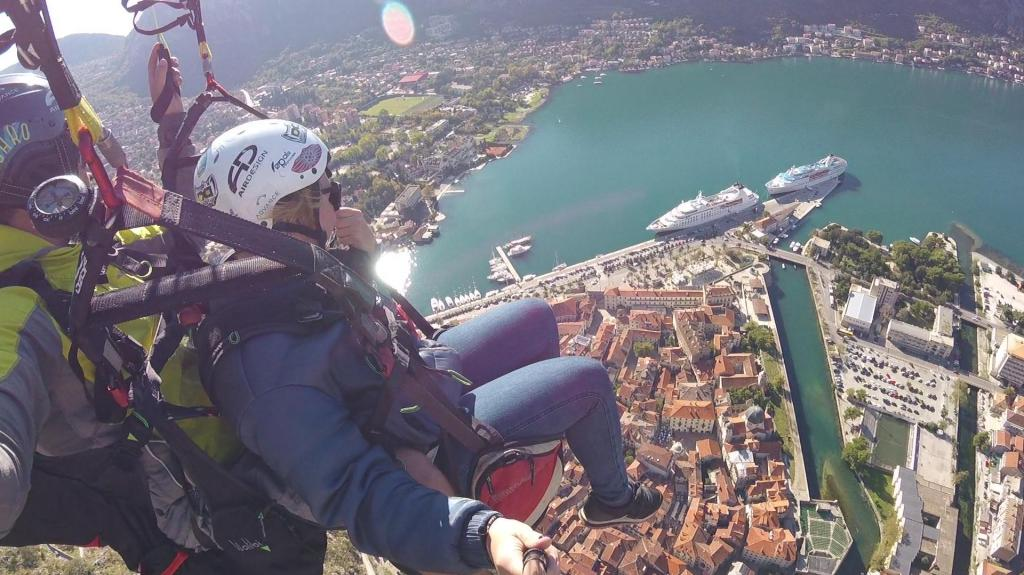 paragliding flights in Montenegro kotor