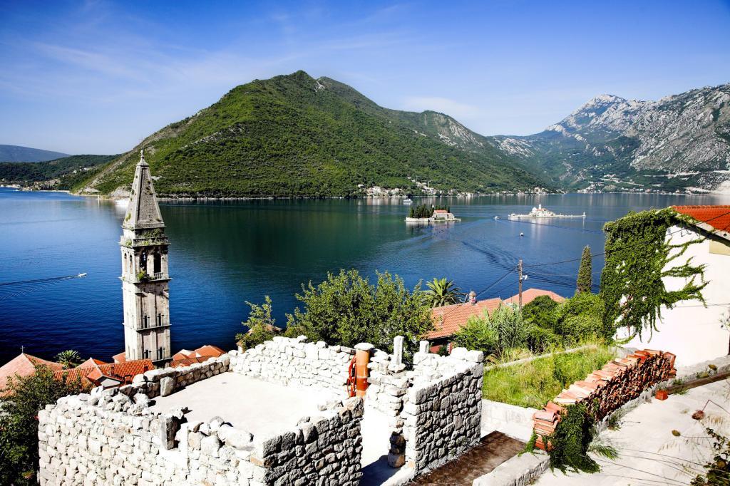 Черногория, Которский залив весной