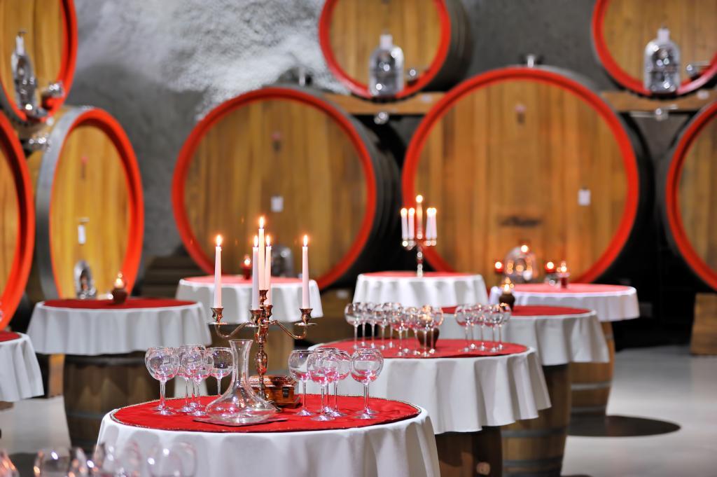 Черногория отдых, вино, рестораны и цены
